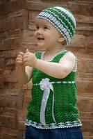 Yeşil/Beyaz tığişi bebek eteği, bluzu, elbise ve beresi