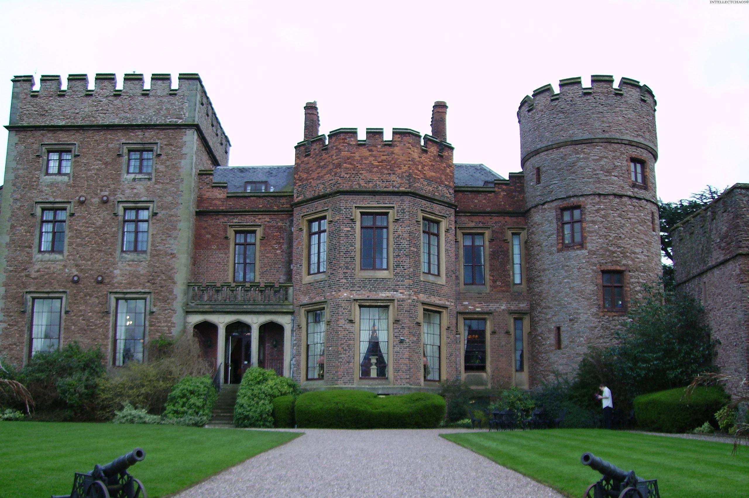 Секс старинном замке 6 фотография