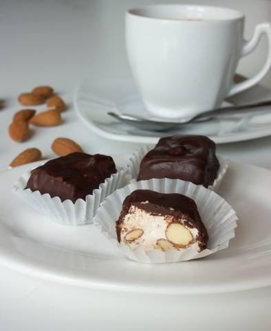 Нуга в шоколаде 220573_m