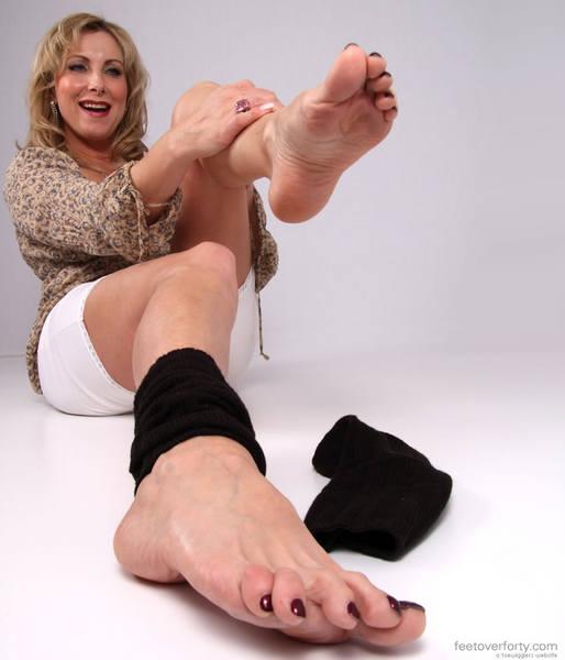mature women foot fetish № 30257