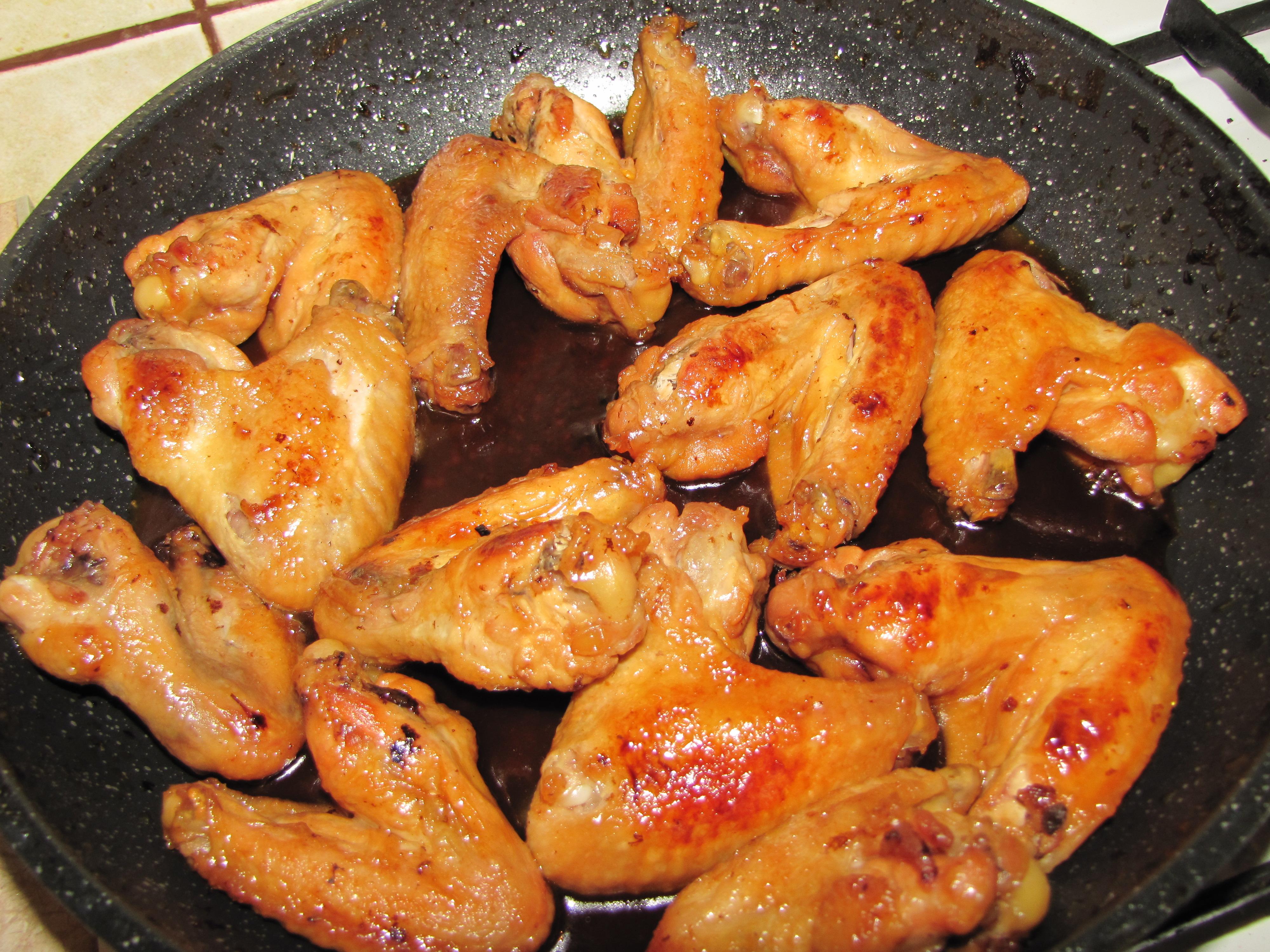 Куриные крылышки в медово соевом соусе на сковороде рецепт пошагово