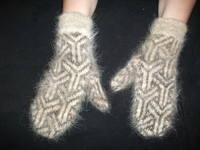 Варежки вязанные из шерсти