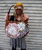 Украшение кожаной сумки вязанием от Valentino.  Сумки=кожа+вязание.