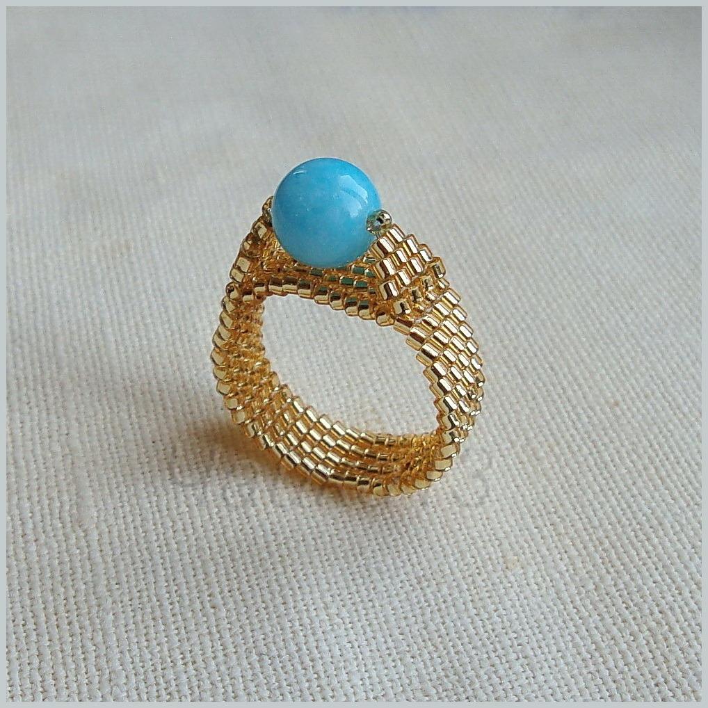 кольцо из бисера Урок по созданию простого кольца из бисера для начинающих мастеров.