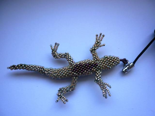 схема плетения ящерицы из бисера.