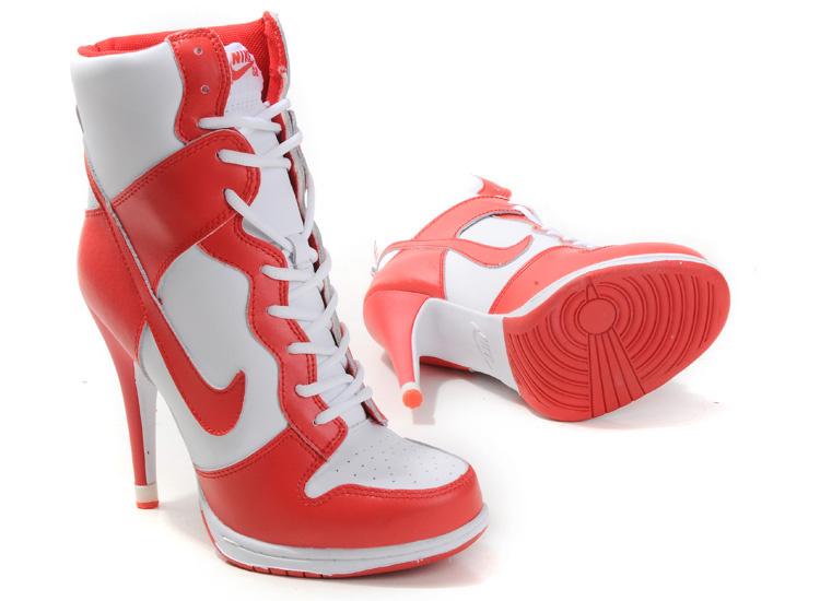 Туфли спортивные женские на каблуке