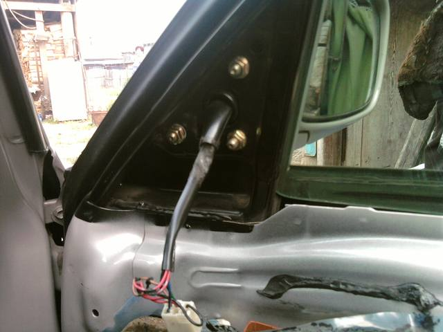 Складывание зеркал на Тойота Королла (Toyota Corolla): отчет о решении проблемы