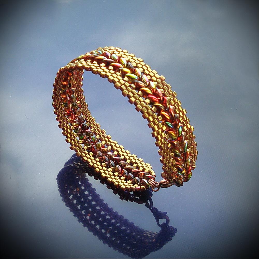 Мастер класс по изготовлению браслетов из бисера Бисероплетение.