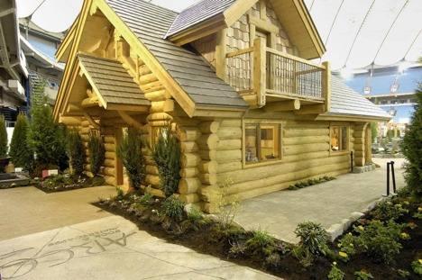 рубленный дом из дерева