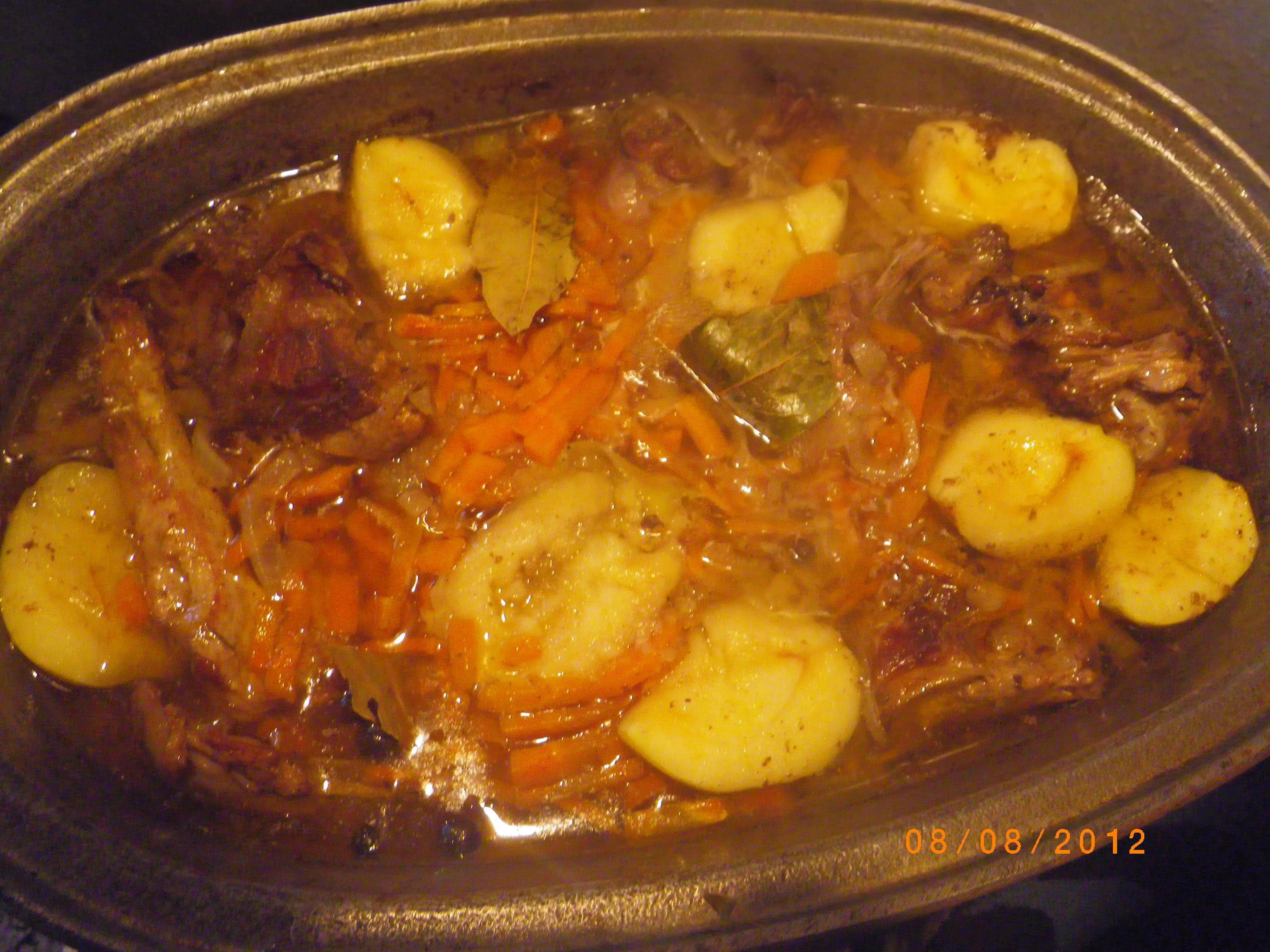 Картошка тушеная с мясом в утятнице рецепт пошагово