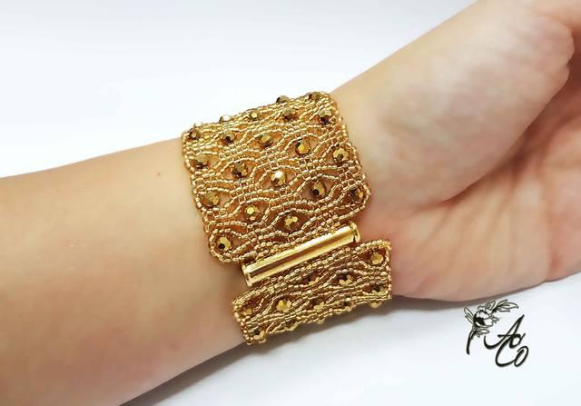 Ювелирные изделия: cерьги, кольца, браслеты, цепочки из 39