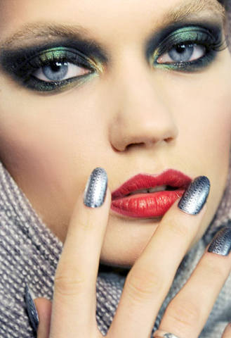 hbz-fall12-nail-trend-TheBlond-lgn
