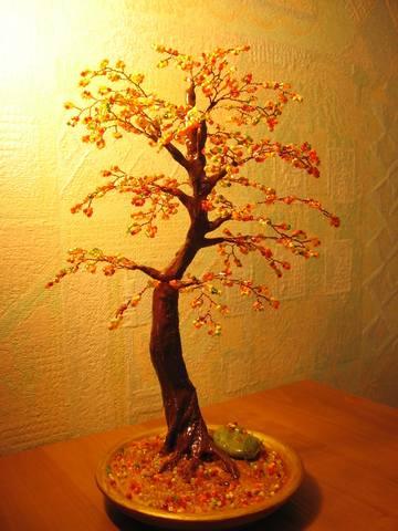Дерево осеннее из бисера фото
