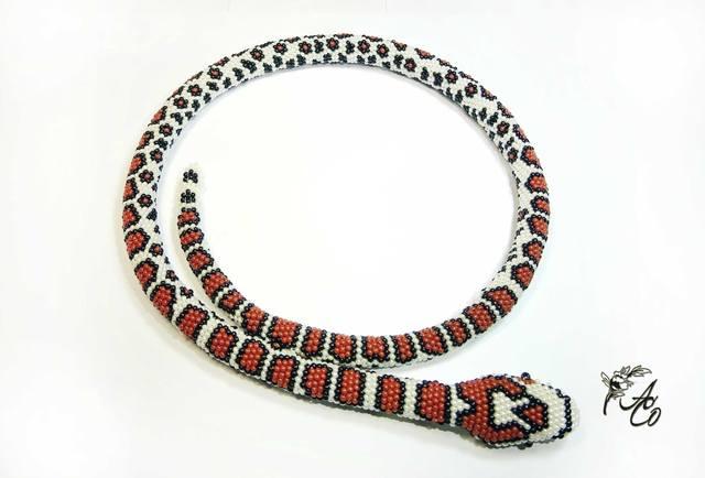 Змея-браслет из бисера схема