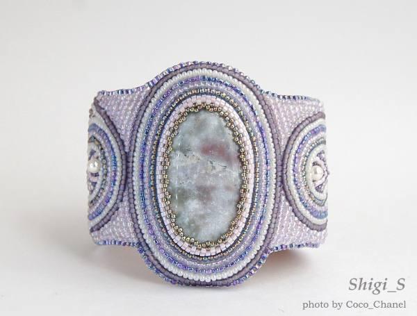 Уважаемые дамы и господа.  Предлагаю вашему вниманию украшения из бисера, натуральных камней, компонентов Сваровски.