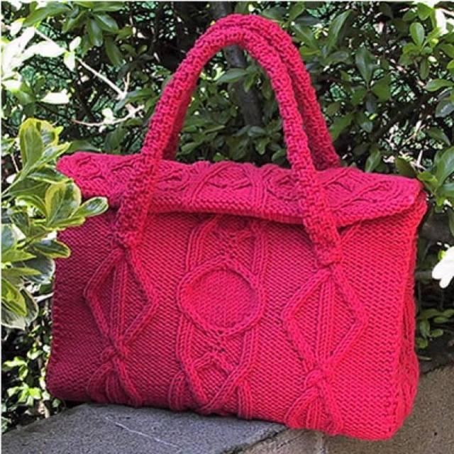 Вязаная сумка спицами. ... и большая вязаная сумка спицами, описание и схему вязания