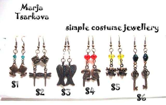 simple costume jewellery5