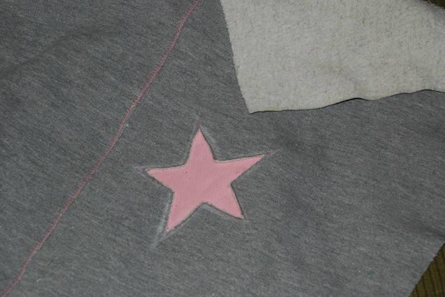 Спортивные штаны со звездами 1158416_m