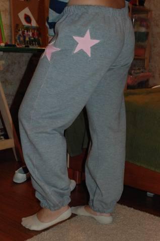 Спортивные штаны со звездами 1158833_m