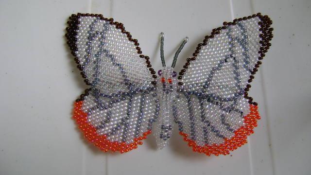 Как сделать из бисера своими бабочку 321