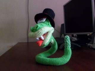 описание змеи крючком