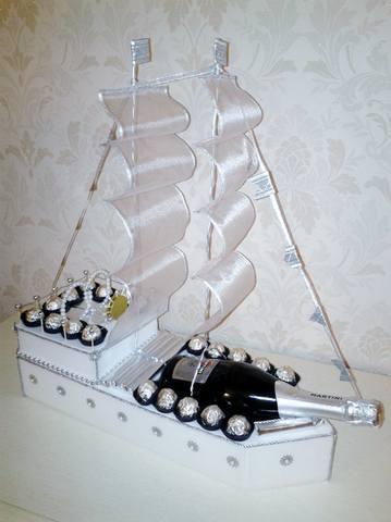 Корабль для бутылок на свадьбу