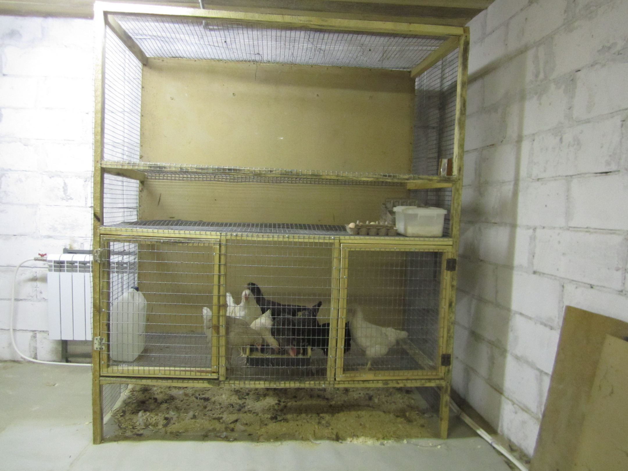 Как сделать двухъярусную клетку для кроликов своими руками 447
