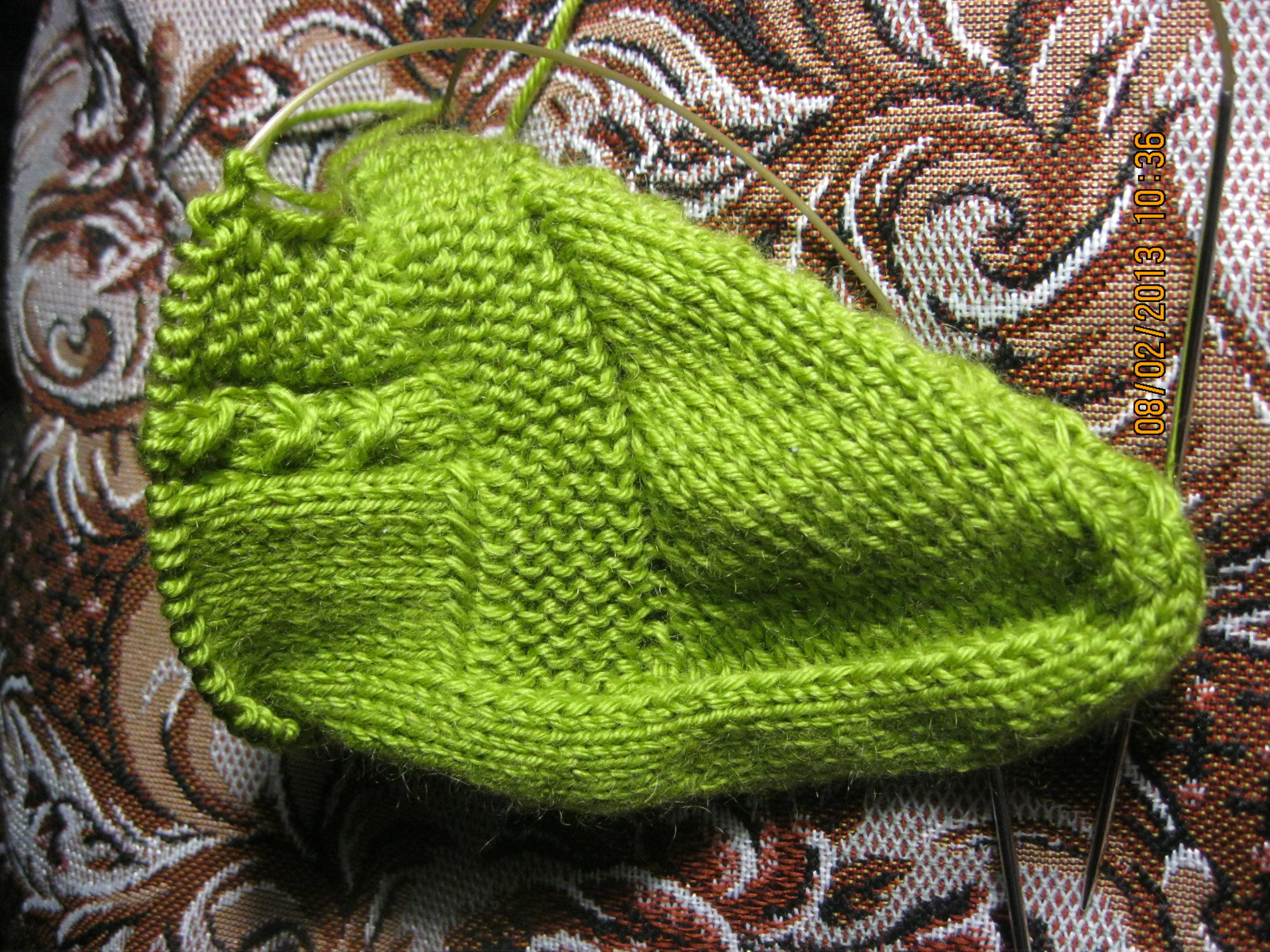 Вязание тапочки с косой спицами