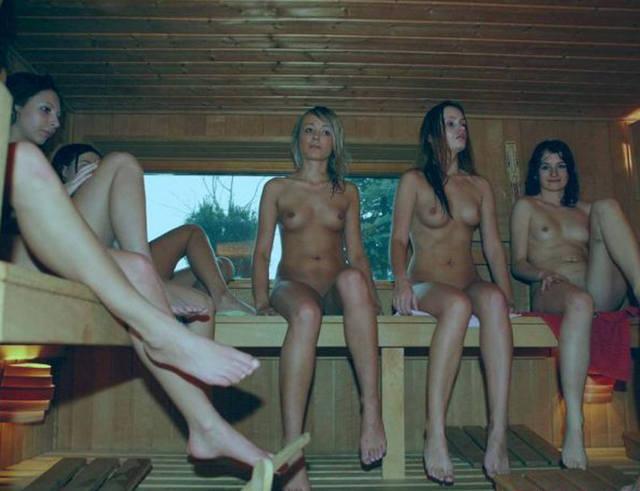 Частные любительские фото очаровательных молоденьких девушек в бане и сауне