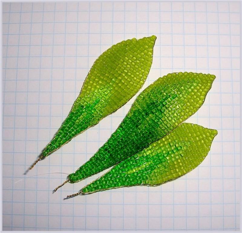 Листик (бисероплетение, мастер-класс).  Сегодня будем плести листики из бисера для дерева.