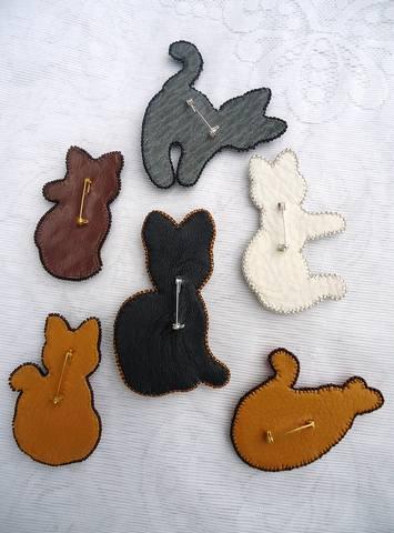 Ирина Петровна,вот и я за животных взялась,а то всё украшения больше....заказали кучу кошек,в Алмаату...небольшие...