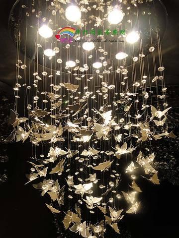Люстра бабочки под потолком своими руками
