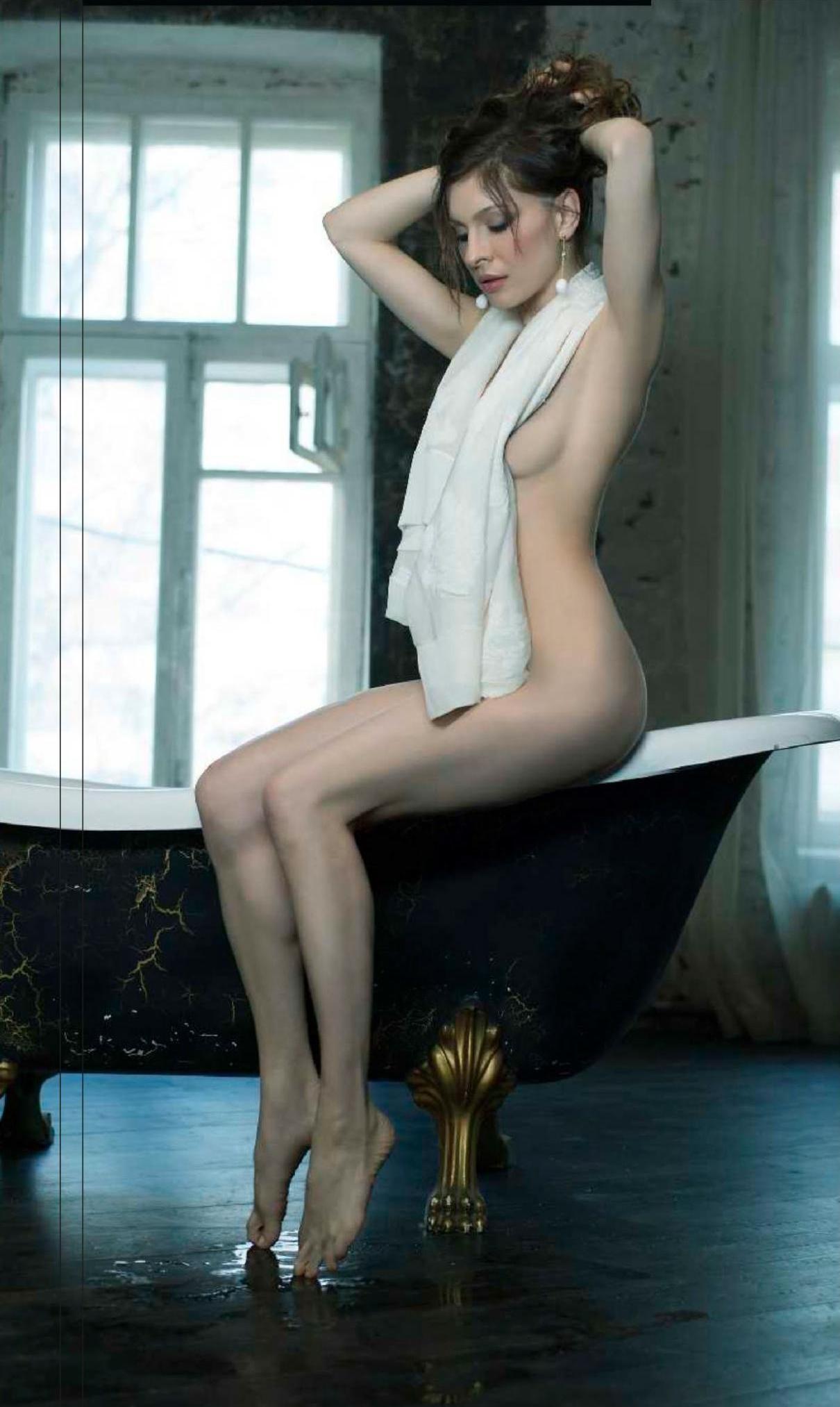 Русские актрисы раздеваются 1 фотография
