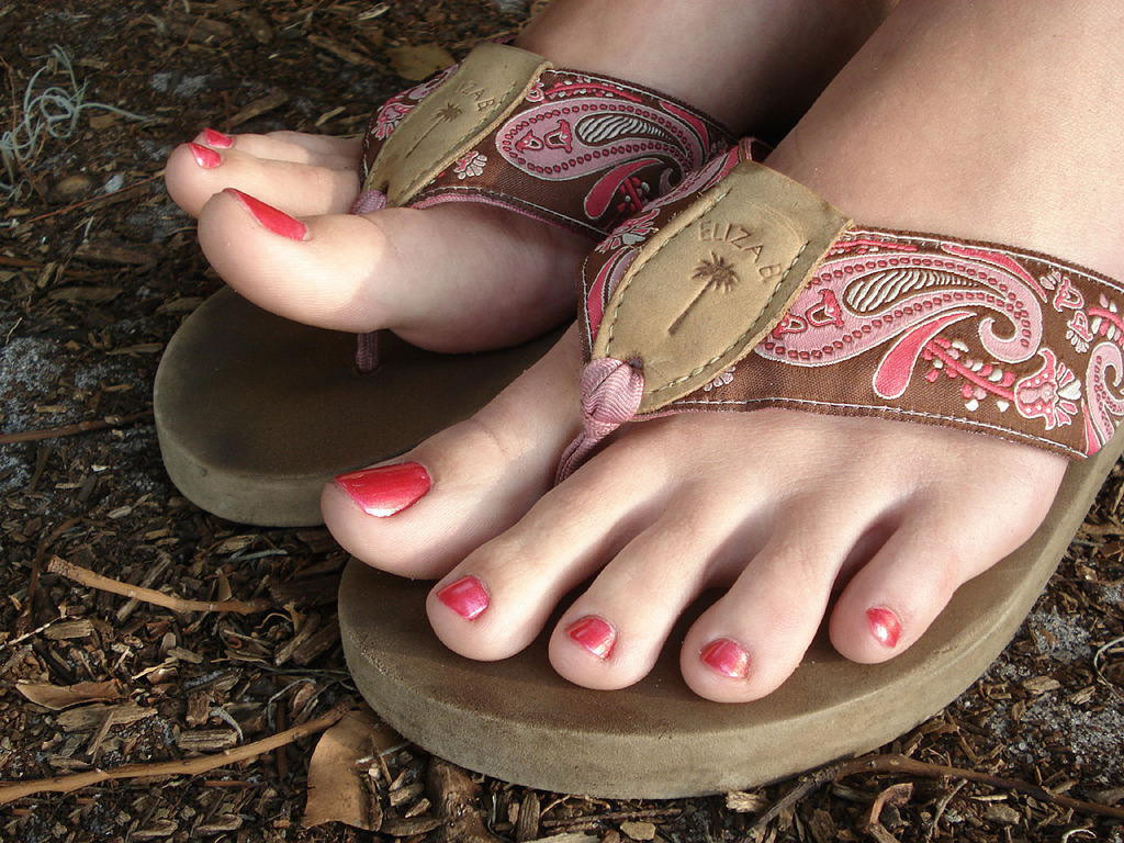 "beautiful feet photo 17 в""– 9850"