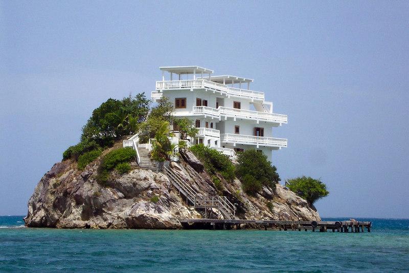 Жилье в остров Храни недорого на берегу моря