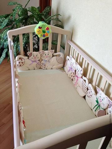 Мягкие бортики на детскую кроватку своими руками