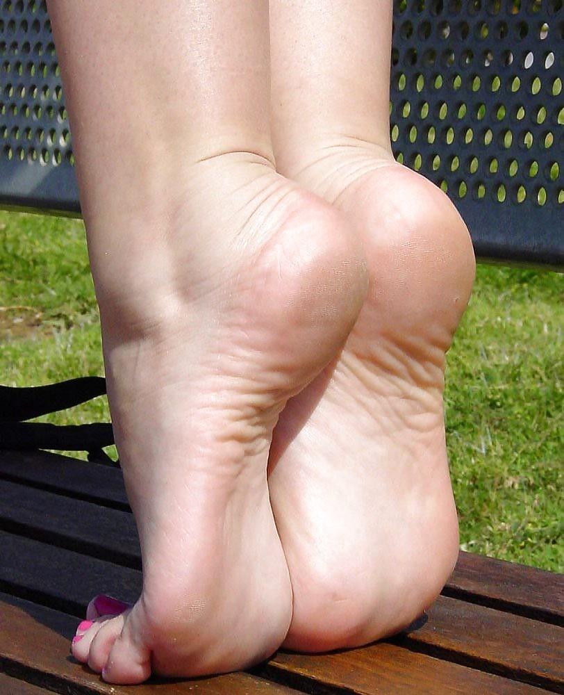 Sexy elven feet nsfw image
