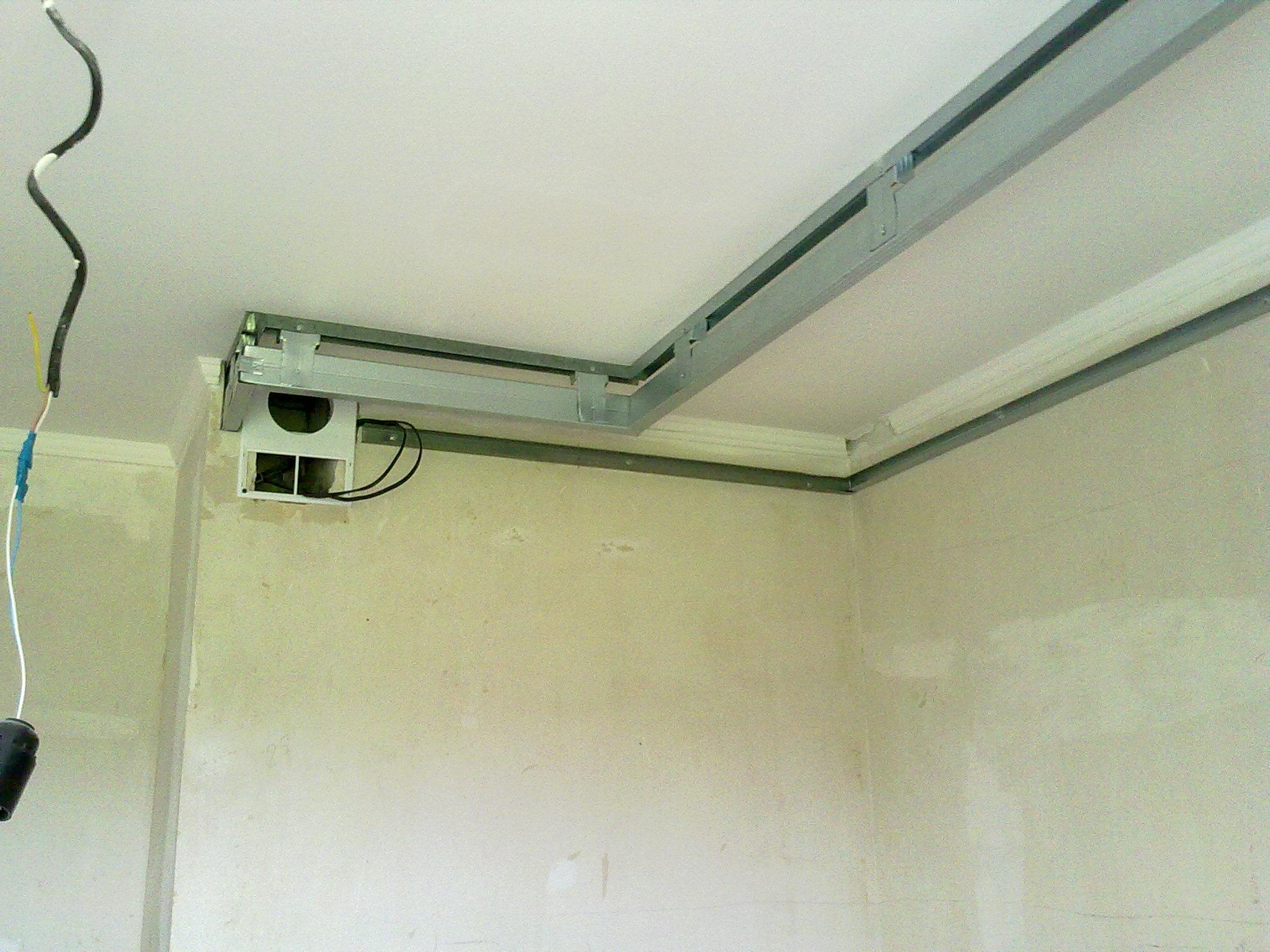 Как сделать вентиляцию под натяжным потолком