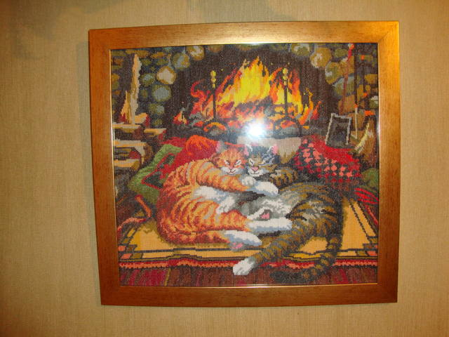 Продам картину «коты у камина»