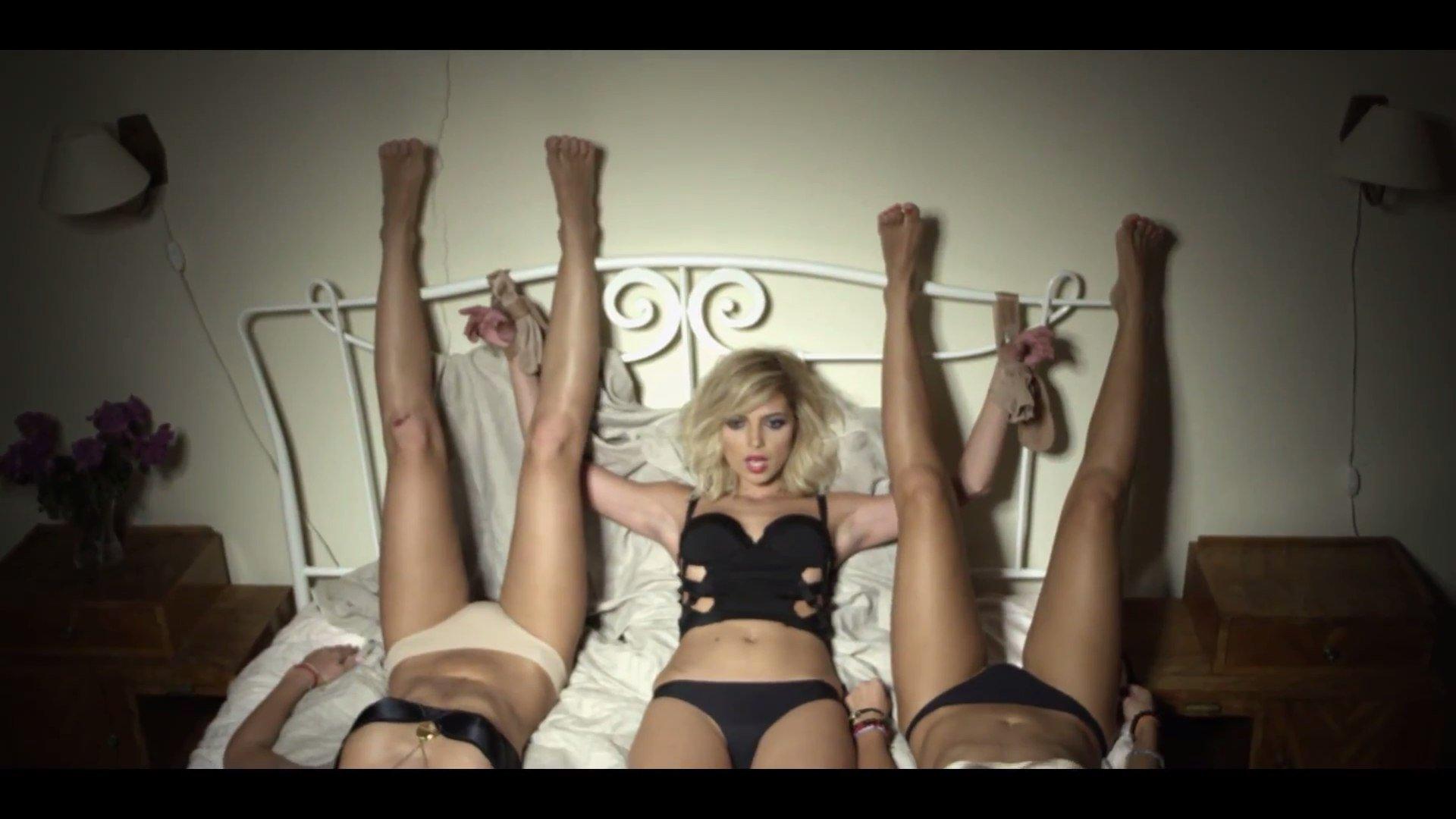 Самый откровенный клип порно смотреть 18 фотография