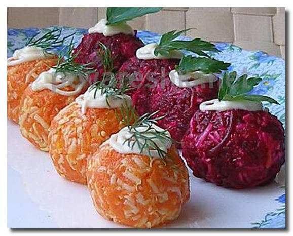 Люблю свеклу, в последнее время обращаю внимание на рецепты салатов из свеклы, так как обычно делала просто свеклу с чесноком.
