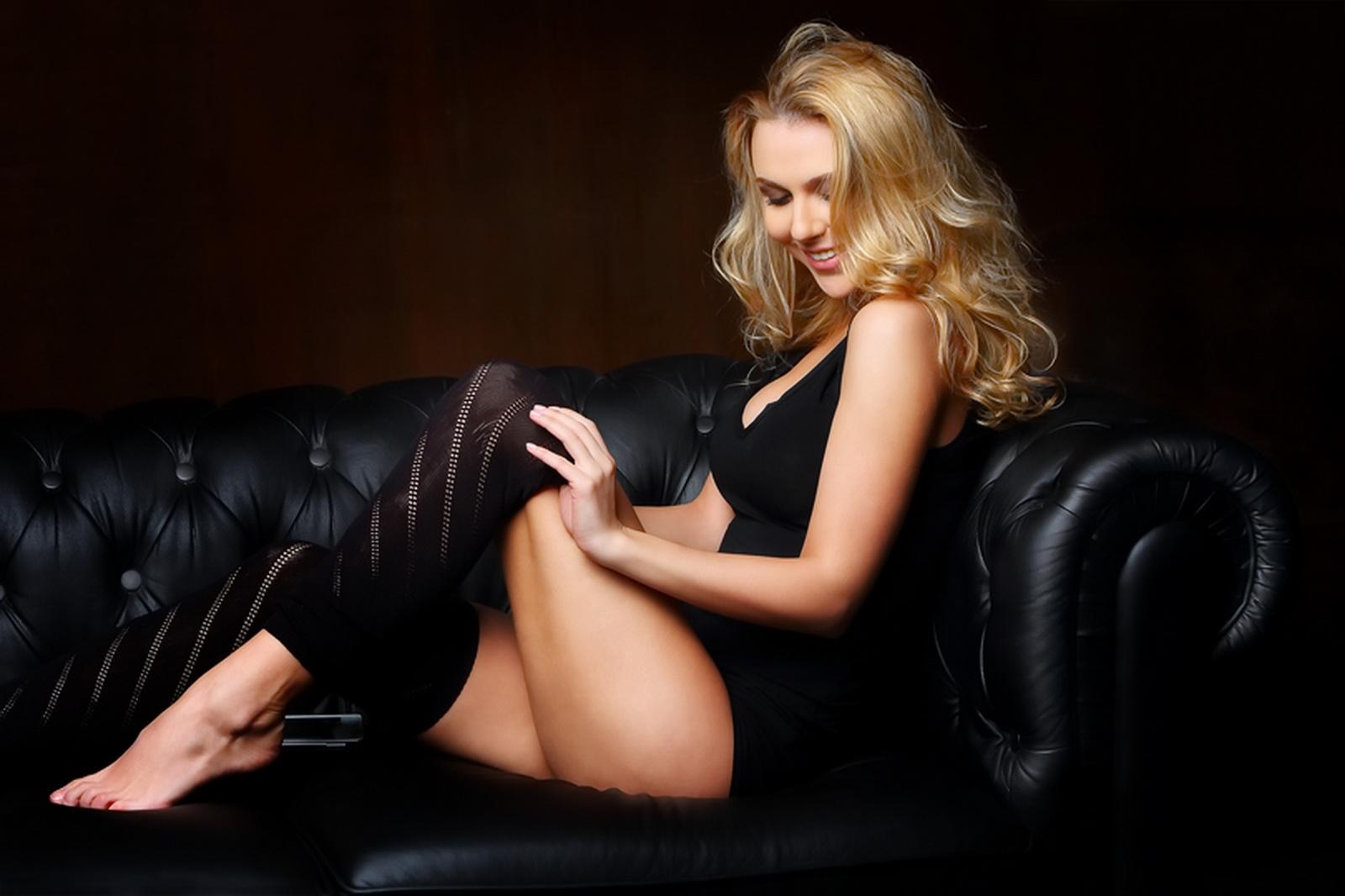 Нагая порно модель Ева Авеева смотреть онлайн 1 фото