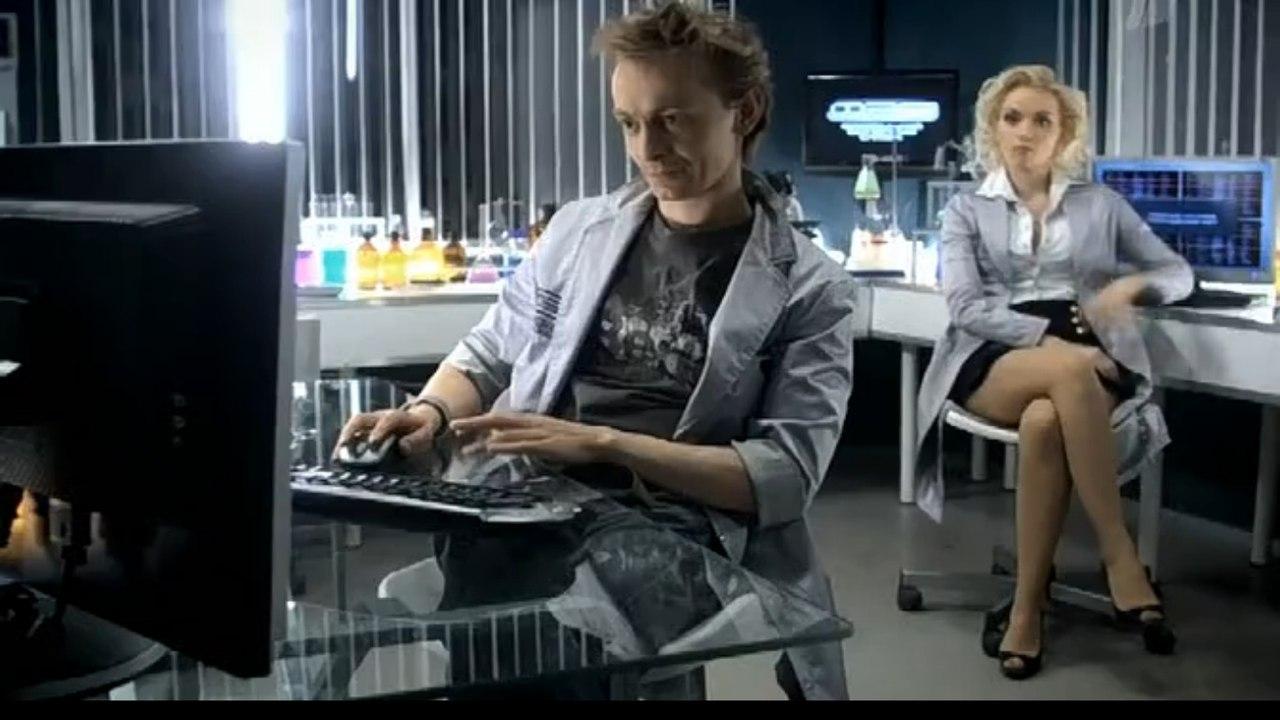 Голая Яна Кошкина актриса видно её сиськи попку и киску