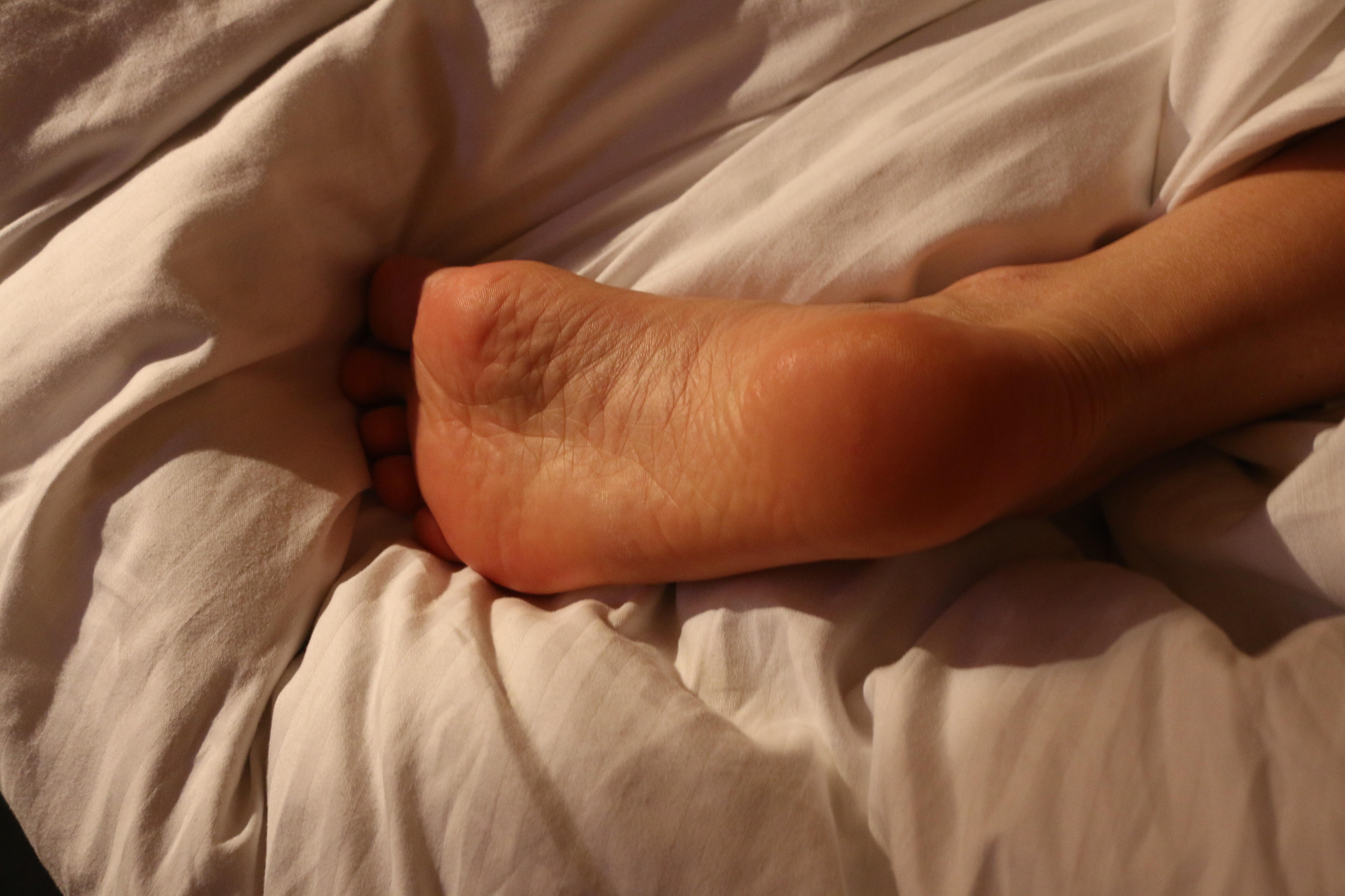 Голые ноги во сне для утра