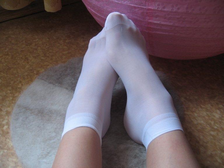 Ноги в белых носках порно