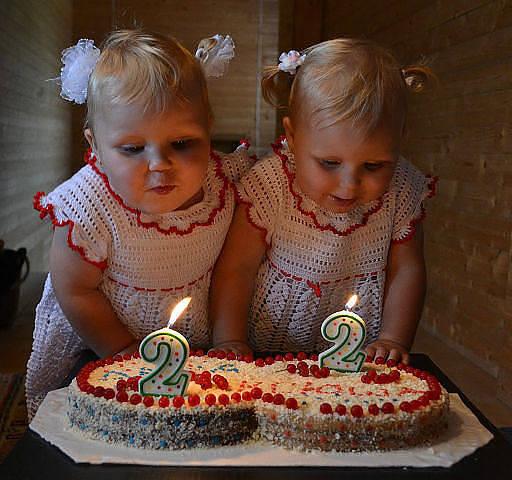 Оригинальные подарки женщинам двойняшкам на 50 лет 58