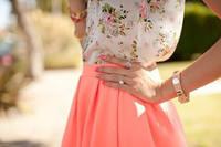 Цвет в одежде, аксессуарах. Модные тенденции. 6353384_s