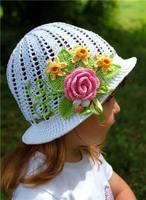 Шапочки, шляпки, панамки 6368772_s