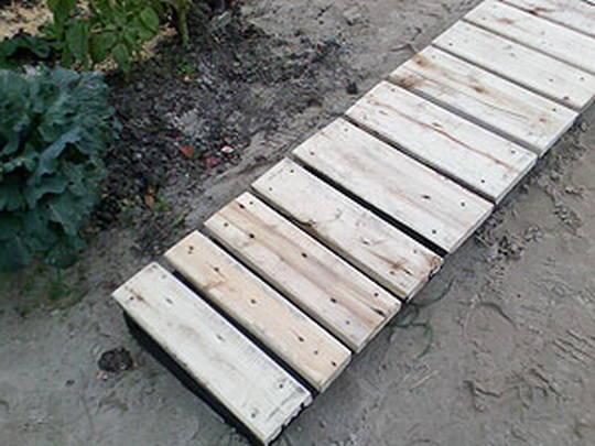 Садовые дорожки из доски своими руками фото 46