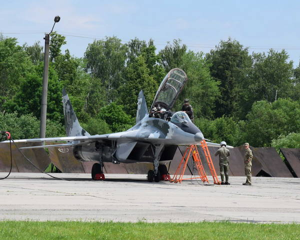 У харьковских курсантов начались полеты на боевых самолетах (ФОТО)